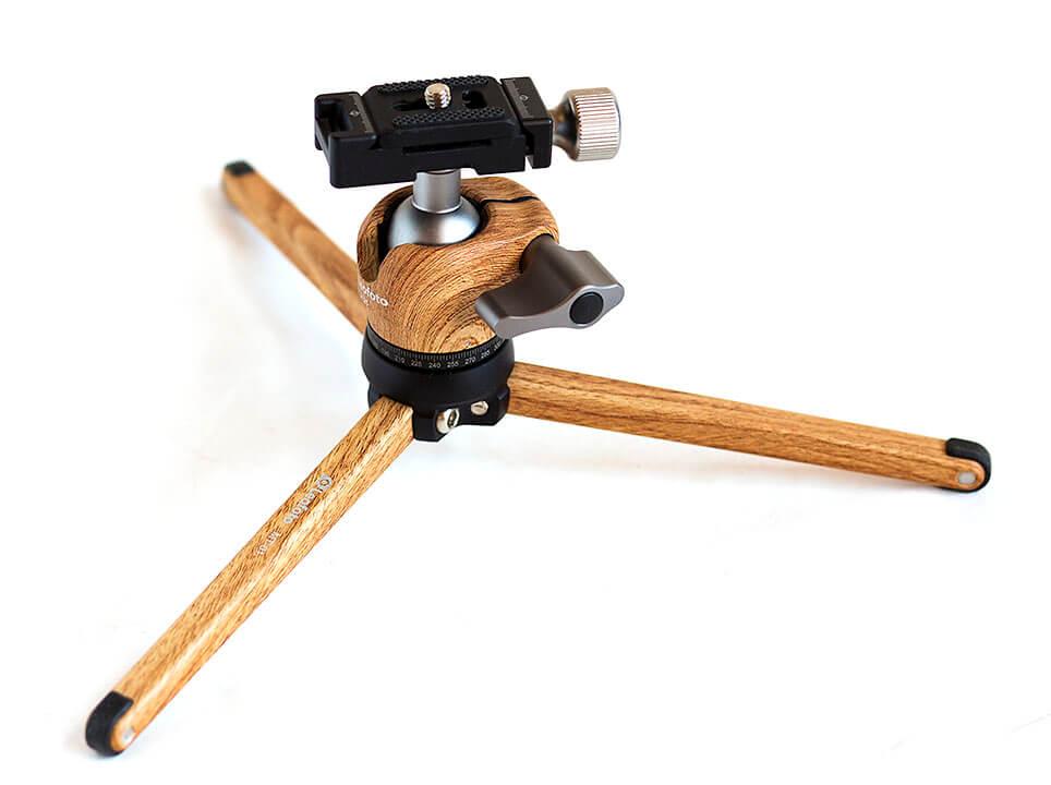 Kit trípode compacto Leofoto MT1 con rótula color madera