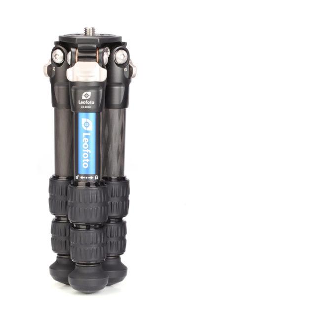 Trípode LS-223C en carbono Toray 10x compacto y robusto