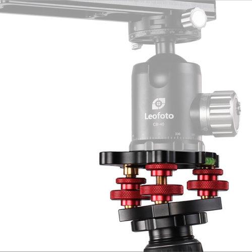 Nivelador Leofoto LB-68 con niveles de burbuja y tornillos independientes