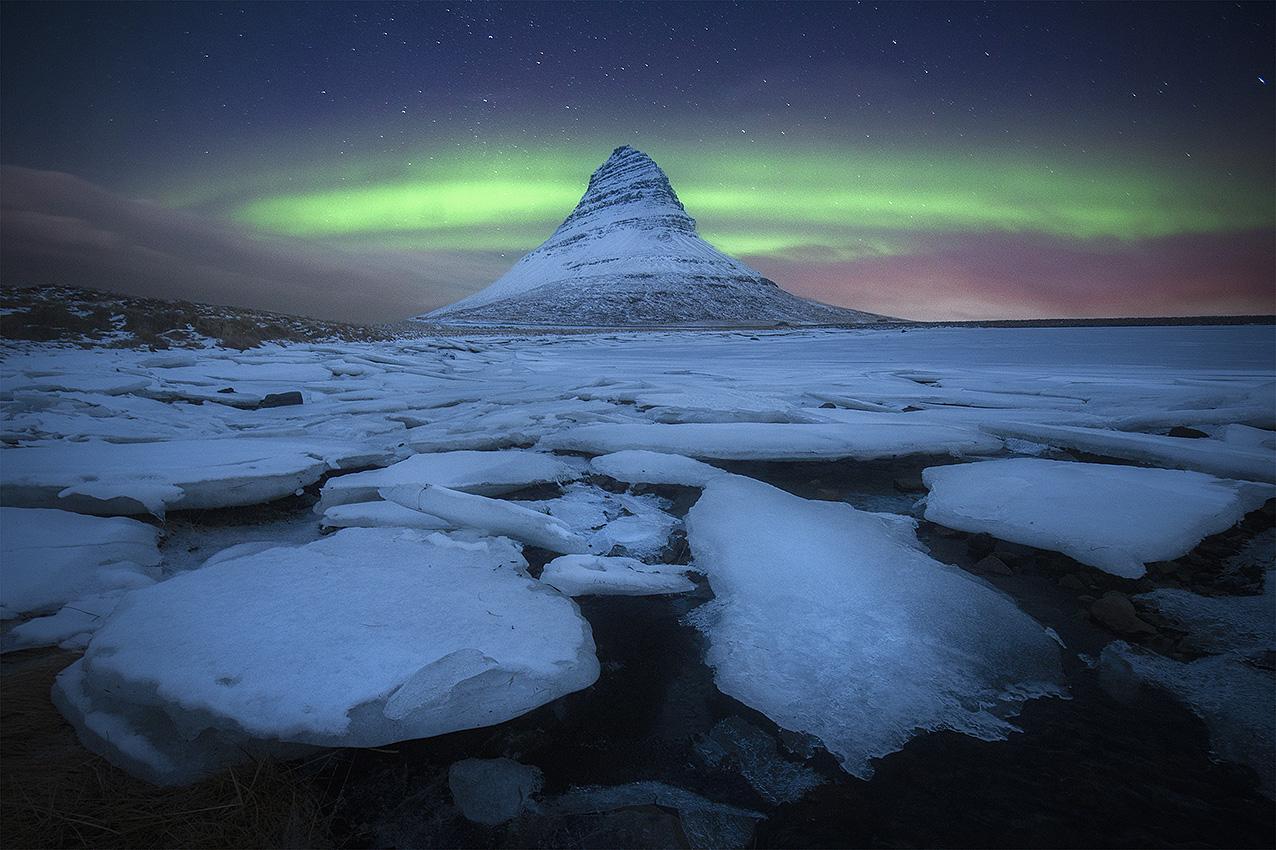 Entrevista al fotógrafo Miguel Angel Morenatti paisaje con aurora boreal