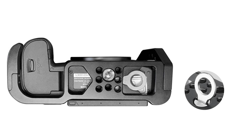 Vista inferior de la jaula Camera Cage Leofoto Canon EOS R5