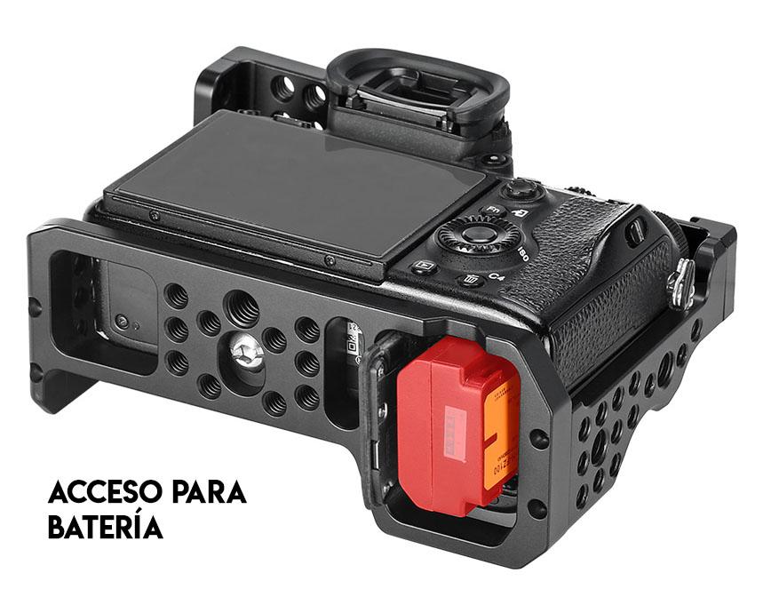 Acceso a la batería de la Camera Cage Leofoto para Sony A7R3, A7III y A9